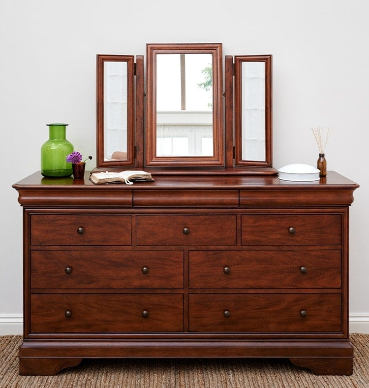 Antoinette dark mahogany 4+3 drawer with gallery mirror resting above